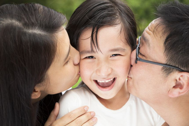 """Ngày đầu con gái đi học vô cùng hạnh phúc, ông bố hài hước trêu """"mẹ hay cô giáo xinh hơn"""" và câu trả lời thật xuất sắc - Ảnh 3."""
