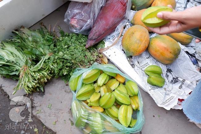 Chợ phiên trong lòng phố: Mua thực phẩm sạch với giá rẻ mà không cần bố mẹ ở quê đóng thùng nhỏ thùng to ứng cứu - Ảnh 6.