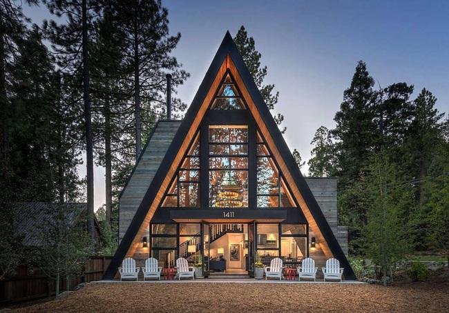 Ngôi nhà trong rừng đẹp như bước ra từ cổ tích cực thân thiện với không gian núi rừng - Ảnh 1.