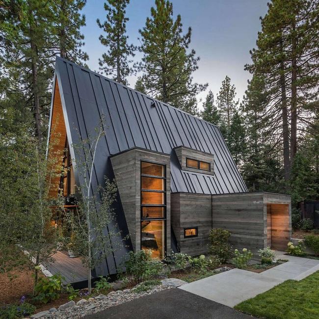 Ngôi nhà trong rừng đẹp như bước ra từ cổ tích cực thân thiện với không gian núi rừng - Ảnh 10.
