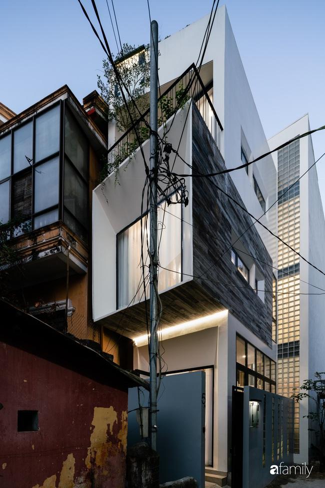 """Ngôi nhà phố vạn người mơ ước được xây trên mảnh đất hình """"trái xoài"""" ở Huế - Ảnh 1."""