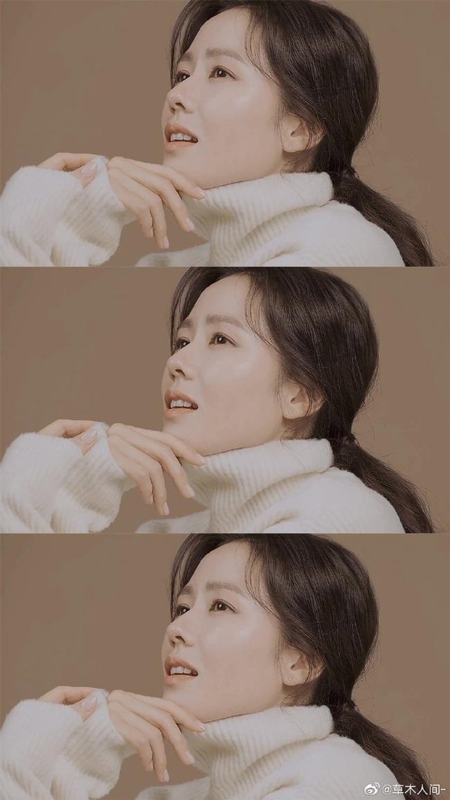 """Chỉ là hình hậu trường chụp ảnh quảng cáo thôi mà đã đẹp hết phần thiên hạ thế này rồi, bảo sao Son Ye Jin vẫn được xem là """"tình đầu quốc dân"""" số 1 Hàn Quốc - Ảnh 4."""