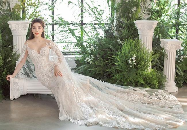 Ngay sau đám cưới Đông Nhi, Bảo Thy cũng khoe 3 mẫu váy cưới đẹp mê hồn, chuẩn bị lên xe hoa với chồng đại gia - Ảnh 2.