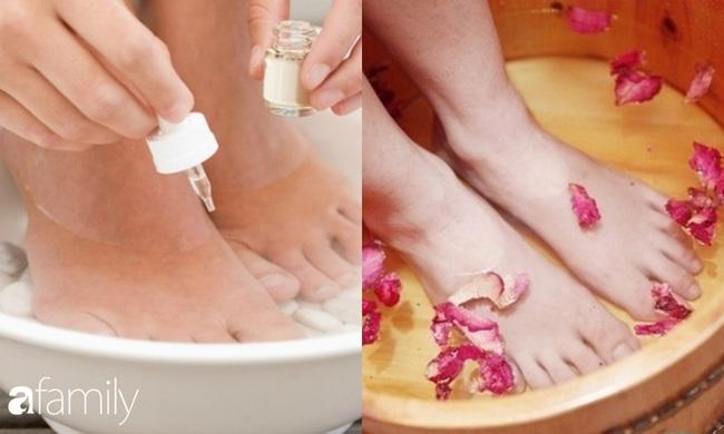 Gót chân từ sần sùi trở nên phẳng mịn với mẹo hay từ màng bọc thực phẩm  - Ảnh 1.