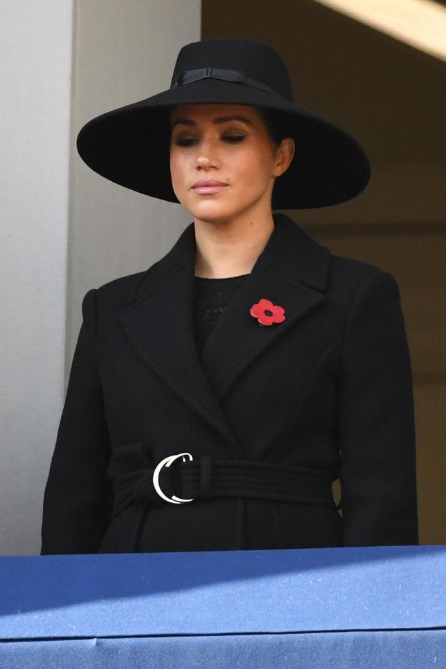 Đăng ảnh Meghan Markle mặc áo khoác của hãng, nhà mốt Stella McCartney phải xóa vội sau khi bị chỉ trích - Ảnh 2.