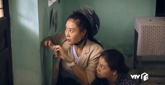 """""""Sinh tử"""" tập 8: Vũ (Việt Anh) liếc Trọng Hoàng vì lải nhải còn hơn """"đàn bà"""", ánh mắt như dao cau khoét vào mỏm đá - Ảnh 6."""