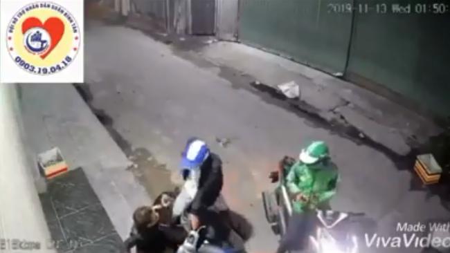 Sốc: Nam thanh niên bị 2 đối tượng xịt hơi cay, cướp điện thoại, xe máy táo tợn - Ảnh 2.