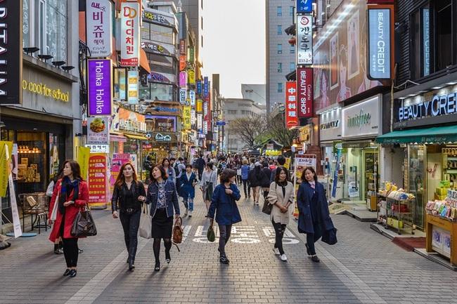 Đường phố Hàn luôn rợp trời những quý cô sở hữu thân hình lý tưởng, và đây là 6 bí quyết giữ dáng của phái đẹp nước này - Ảnh 2.