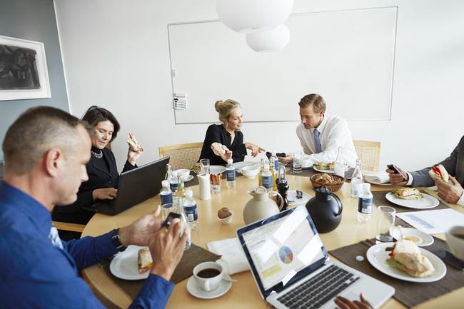 Sếp mà làm được 5 điều này trong buổi họp thì sẽ biến thành thiên thần trong mắt nhân viên!  - Ảnh 3.
