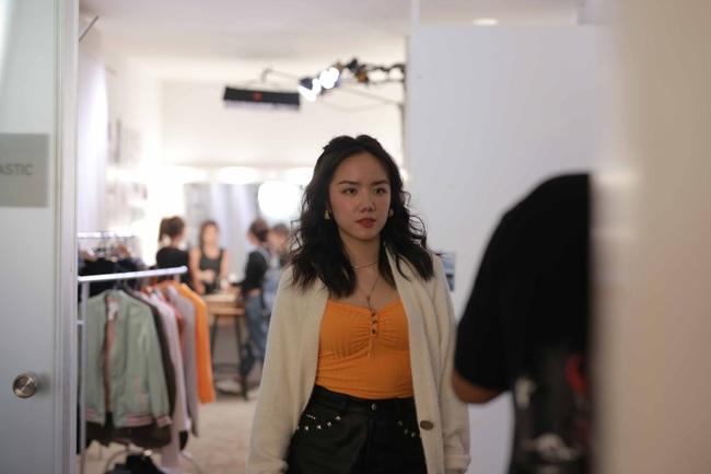 Giữa tin đồn sắp kết hôn với Tóc Tiên, Hoàng Touliver bắt tay Phương Ly làm MV mới  - Ảnh 4.