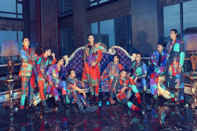 Lộ ảnh Thanh Hằng sắp hôn Chi Pu, nàng siêu mẫu gây hoang mang vì thân mật với cả nam lẫn nữ  - Ảnh 10.