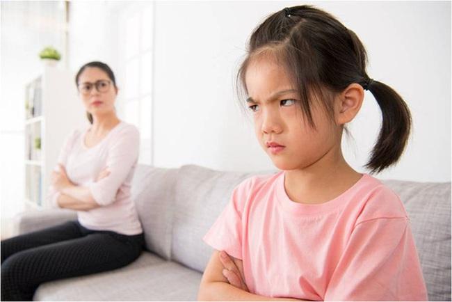 """""""Con ghét bố!"""" - một ngày trẻ bỗng hét lên khiến người mẹ giật thót, lập tức sửa đổi sai lầm của bản thân - Ảnh 1."""