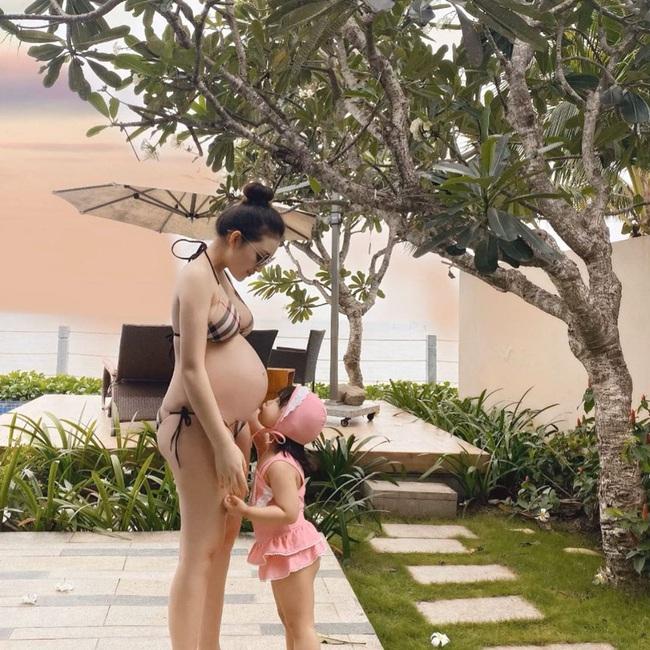 """Bầu vượt mặt sắp đẻ nhưng cô dâu """"đeo 200 cây vàng"""" ở Nam Định vẫn đẹp mơn mởn hút mắt người nhìn - Ảnh 3."""