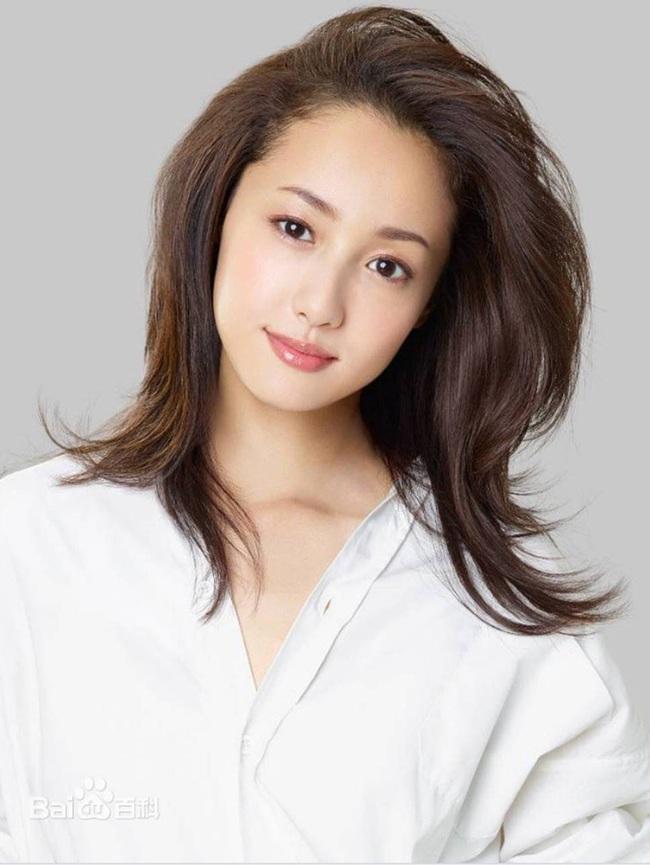 Ngọc nữ Nhật Bản Erika Sawajiri gây sốc vì bị bắt với cáo buộc liên quan đến chất cấm - Ảnh 2.