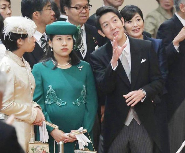 Hoàng hậu Masako tỏa sáng với phong cách khác lạ giữa tin vui hoàng gia Nhật có thêm một bé trai - Ảnh 6.