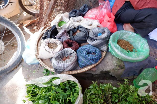 Chợ phiên trong lòng phố: Mua thực phẩm sạch với giá rẻ mà không cần bố mẹ ở quê đóng thùng nhỏ thùng to ứng cứu - Ảnh 9.