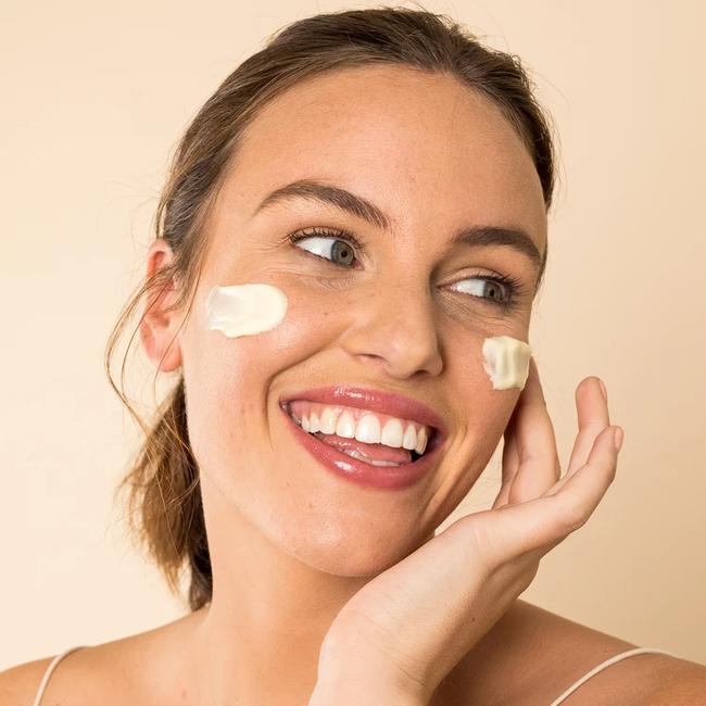 """Để da đẹp thì trước tiên da phải khỏe, và 5 sản phẩm này sẽ giúp làn da nhạy cảm của bạn ngày một """"lên hương"""" - Ảnh 7."""