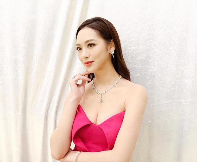 chi-voi-mot-canh-phim-hoa-hau-hong-kong-lai-gay-sot-man-anh-6f6b68-15741742917841102689434.jpg