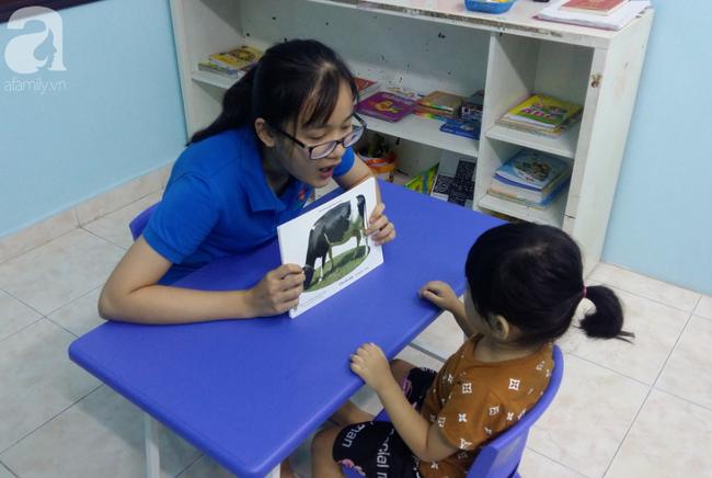 Trải lòng của vợ chồng bác sĩ có con bị tăng động: Giáo viên dạy chuyên biệt là những người vất vả, yêu nghề - Ảnh 11.