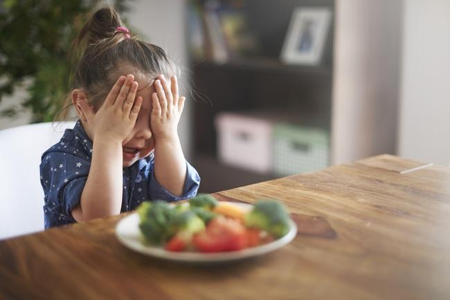 Bà mẹ trẻ chia sẻ tuyệt chiêu giúp con từ rất ghét ăn rau cho đến món rau nào cũng ăn ngoan thun thút - Ảnh 4.