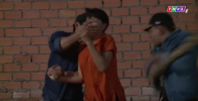 """""""Không lối thoát"""" tập 16: Bị hàng xóm tố chuyện gái gú, Minh - Lương Thế Thành thuê giang hồ giết chết  - Ảnh 4."""