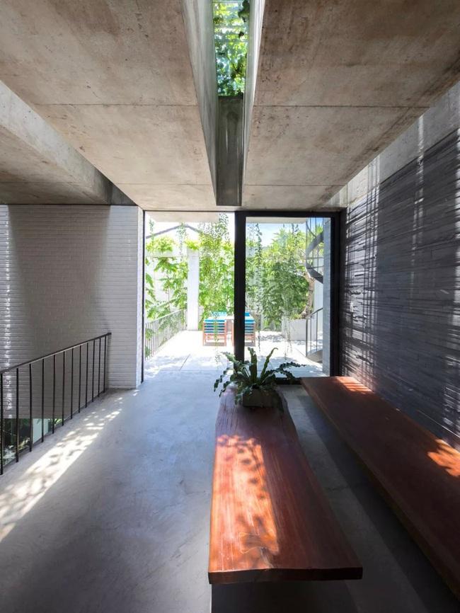 Ngôi nhà đầy gió tự nhiên, cây xanh và ánh sáng thân thiện với môi trường dành cho gia đình 5 người ở Đà Nẵng - Ảnh 14.