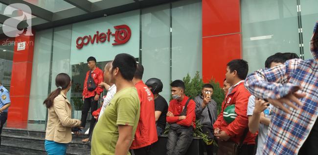 GoViet lên tiếng vụ việc nhiều tài xế tập trung trước trụ sở đòi quyền lợi - Ảnh 5.
