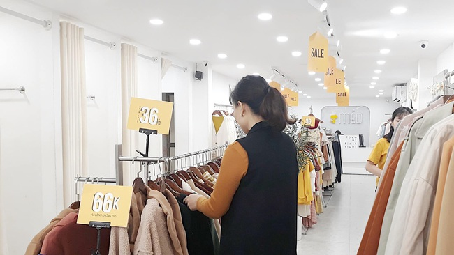 Black Friday: Chẳng cần tìm kiếm đâu xa, cứ ra đường là thấy cả loạt store thiết kế Việt sale toàn 50 - 70% chứ không ít - Ảnh 13.