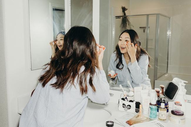 Thói quen làm đẹp tai hại của nhiều beauty blogger khiến mỹ phẩm tiền triệu cũng mất hết tác dụng - Ảnh 1.