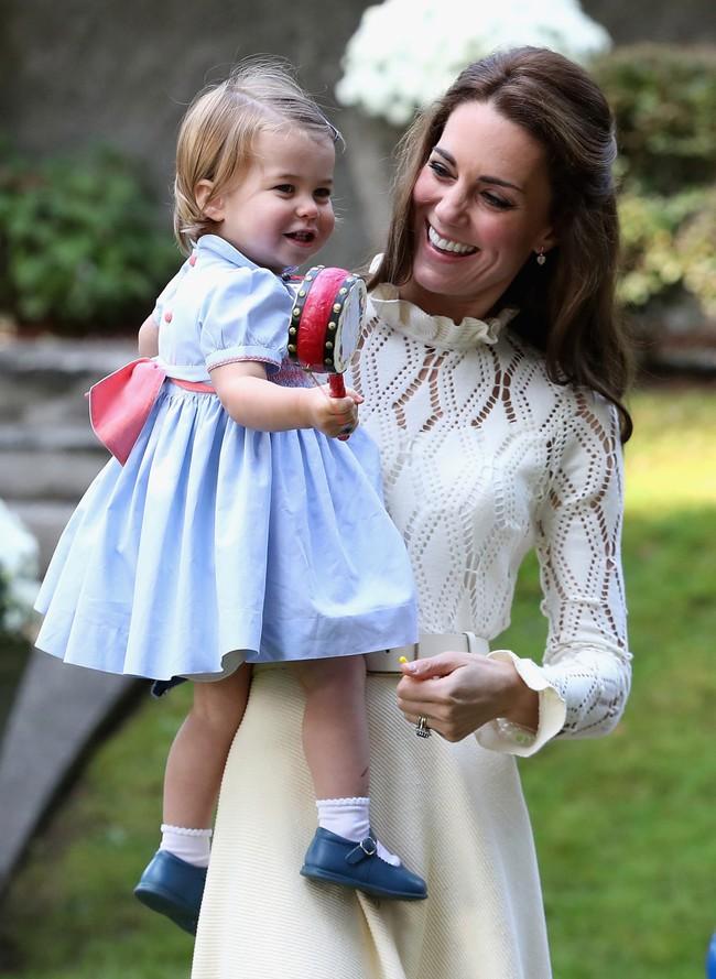 """Chìa khóa nuôi dạy con của nữ công tước xứ Cambridge, Kate Middleton: """"Tôi muốn các con được trải nghiệm mọi thứ từ thực tế"""" - Ảnh 5."""