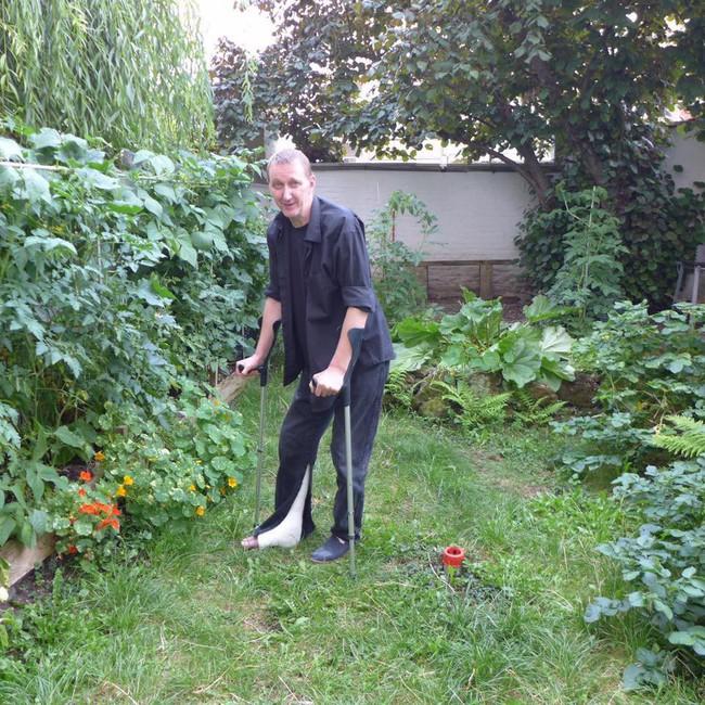 Tận dụng mảnh đất phía sau nhà, người đàn ông đảm đang trồng đủ loại thực phẩm sạch cho cả nhà thưởng thức - Ảnh 17.