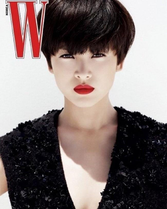 Tranh cãi Song Hye Kyo khi để tóc ngắn: Người khen đẹp, người kêu nam tính, thậm chí còn giống Lee Min Ho? - Ảnh 1.