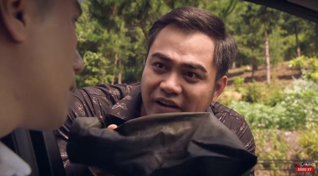 """""""Sinh tử"""" tập 3: Việt Anh chê 2 tỷ của Trọng Hùng là """"giẻ rách"""" nhưng vẫn nhanh tay đút túi để lo bồi thường - Ảnh 1."""