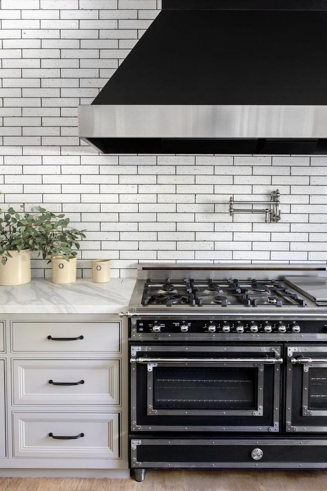 15 ý tưởng sử dụng gạch tàu điện ngầm để sở hữu nhà bếp đẹp đến ngỡ ngàng - Ảnh 7.
