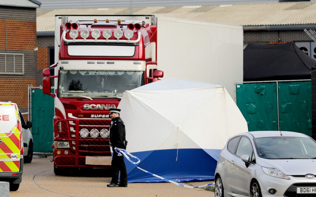 2 nghi phạm trong vụ  39 thi thể trong container từng muốn ra đầu thú nhưng bị truy đuổi bởi băng đảng buôn người - Ảnh 2.