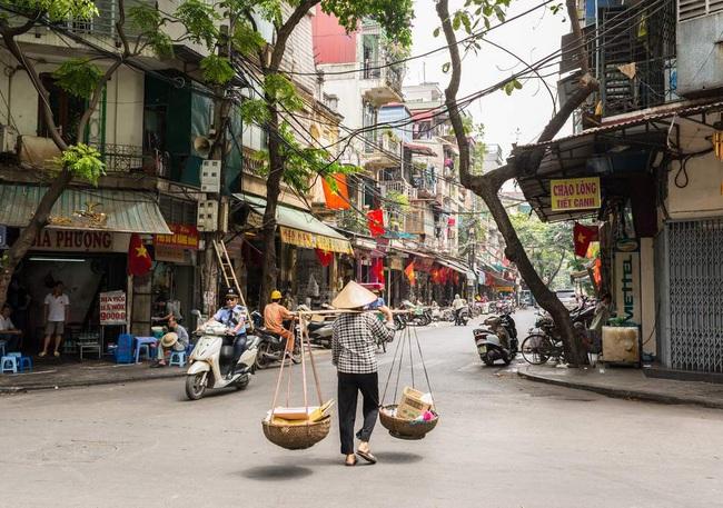 Lương bao nhiêu thì đủ sống ở Hà Nội? - câu hỏi muôn thuở lại thêm một lần khiến dân công sở bàn tán xôn xao - Ảnh 3.