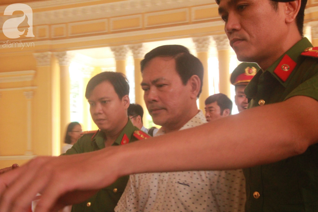 """Vụ """"nựng"""" bé gái 8 tuổi trong thang máy: Bác kháng cáo, tuyên phạt Nguyễn Hữu Linh 18 tháng tù giam - Ảnh 1."""