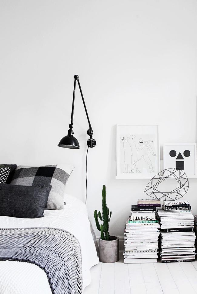 15 ý tưởng trang trí cho giá sách của bạn nổi bần bật trong không gian nhà ở - Ảnh 3.