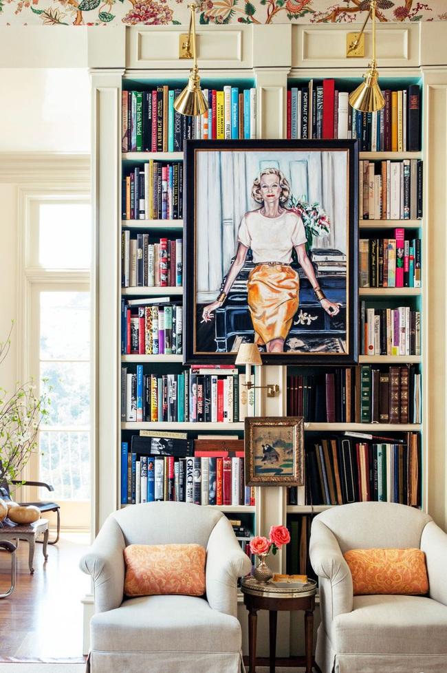 15 ý tưởng trang trí cho giá sách của bạn nổi bần bật trong không gian nhà ở - Ảnh 4.