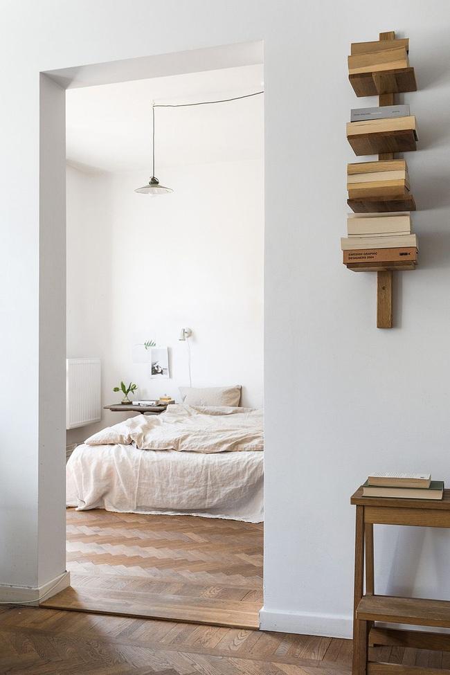 15 ý tưởng trang trí cho giá sách của bạn nổi bần bật trong không gian nhà ở - Ảnh 7.