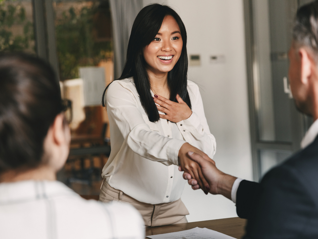 """Nhà tuyển dụng hỏi """"Ưu tiên việc gấp - không quan trọng trước hay việc không gấp - quan trọng trước?"""" cùng câu trả lời khiến ứng viên vào thẳng làm nhân viên chính thức  - Ảnh 2."""