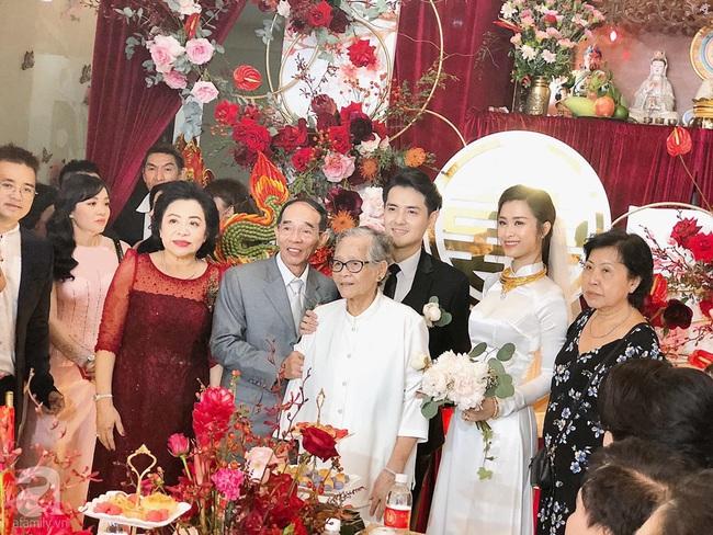 Lễ rước dâu Đông Nhi - Ông Cao Thắng: Cô dâu chú rể đã về nhà trai, không khí ấm cúng tràn ngập hạnh phúc - Ảnh 2.