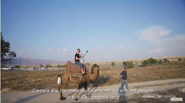 """Vũ Khắc Tiệp bỏ 9 triệu cho 1 tiếng bay khinh khí cầu ở Thổ Nhĩ Kỳ, dân tình bảo """"Nhờ cameraman nên mới follow kênh!"""" - Ảnh 1."""