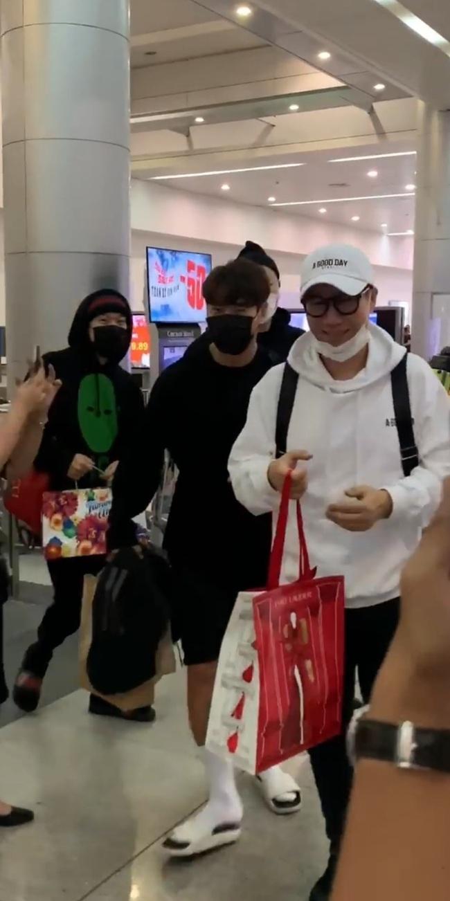 Được khen điển trai như nam thần Kpop, Ngô Kiến Huy hạnh phúc khoe hình chụp cùng dàn sao Running Man Hàn Quốc - Ảnh 3.
