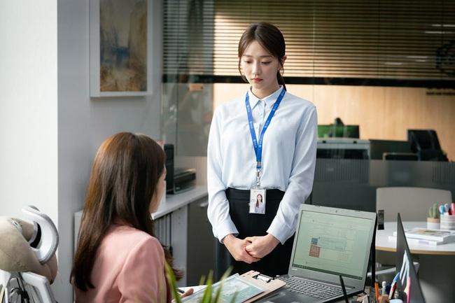 """Hội các bà vợ đang sôi máu với tiểu tam đáng ghét nhất màn ảnh Hàn 2019 nhưng công nhận là """"ả"""" mặc đẹp, rất nên tham khảo - Ảnh 12."""