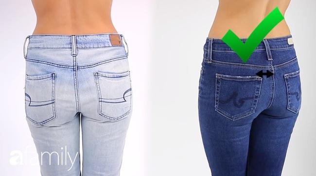 4 mẹo mặc quần jeans giúp bạn nhìn hút mắt hơn hẳn cô bạn đồng nghiệp  - Ảnh 2.
