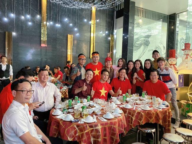 Việt Nam vô địch SEA Games, dàn sao Việt nô nức đi bão, mở tiệc ăn mừng linh đình - Ảnh 6.