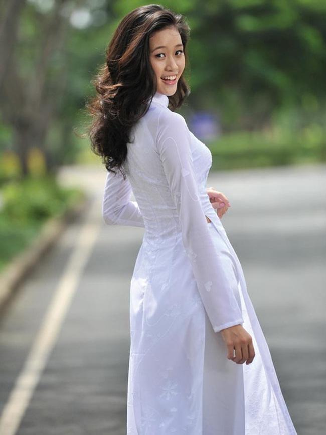 """Lộ ảnh nhan sắc thời """"dậy thì chưa thành công"""" của Hoa hậu Khánh Vân - Ảnh 6."""