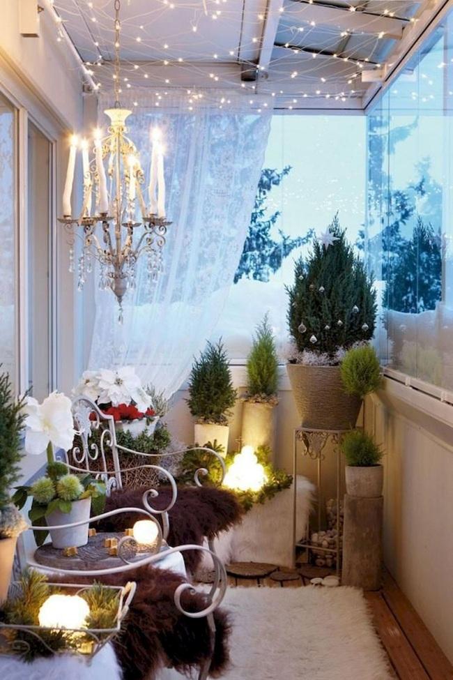 27 ý tưởng trang trí ban công dịp Giáng sinh cực đáng yêu cho mỗi gia đình - Ảnh 11.
