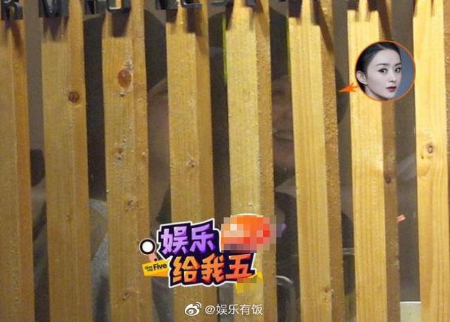 Triệu Lệ Dĩnh đi ăn cùng mỹ nam giữa đêm khuya, vô tình để lộ bằng chứng bất hòa với Chu Khiết Quỳnh - Ảnh 2.